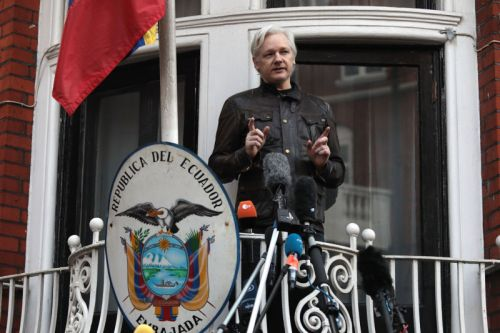 WikiLeaks founder sought Russian visa in 2010, per AP report
