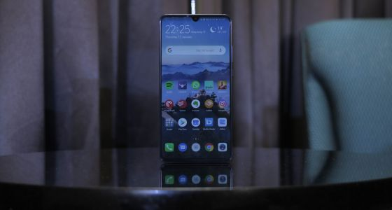 EE temporarily pulls Huawei Mate 20 X from 5G line after Android restrictions