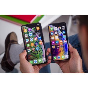 Lawsuit says Apple lied about the new iPhone XS screen size and resolution, but it's wrong