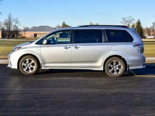 Review: Toyota Sienna minivan mixes the solid with the subpar