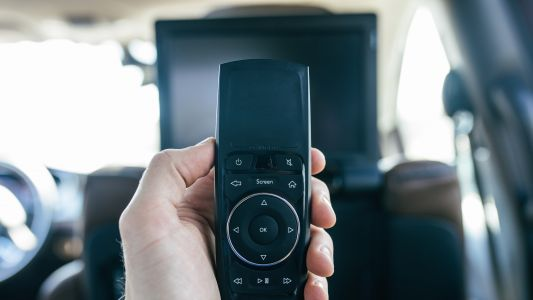 Why streaming Lost in Space in a 2018 Chrysler Pacifica is such a breeze