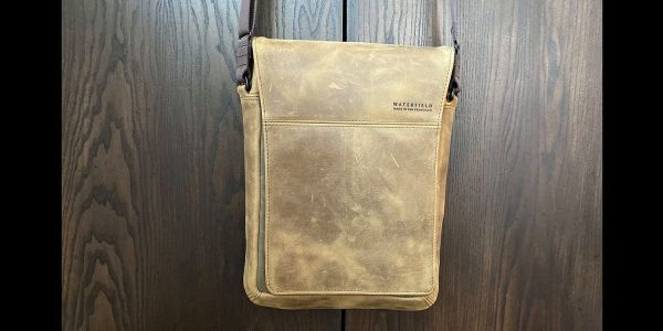 Review: Waterfield Muzetto is a gorgeous practical bag for an iPad or MacBook
