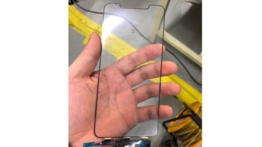 Alleged Photo of iPhone X Plus Display Component Leaked
