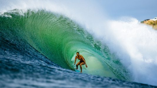 Apple Picks Up World Surf League Docuseries for Apple TV+