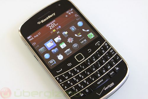 BlackBerry CEO John Chen Wants To Revive The BlackBerry Bold 9900
