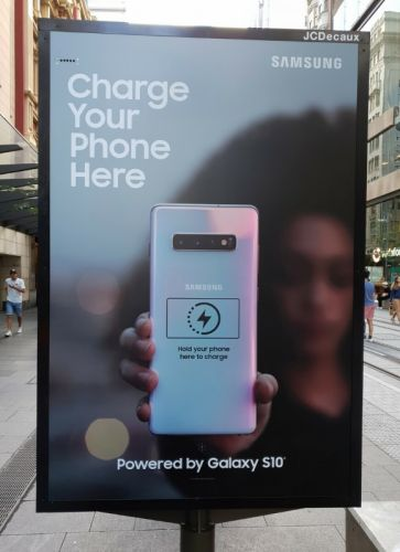 Deceptive Interactive Samsung Ad Touts Reverse Charging On Galaxy S10