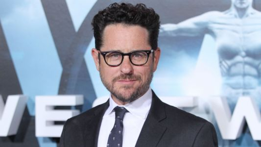 Apple in Bidding War for J.J. Abrams Sci-Fi Drama