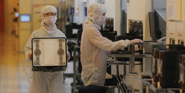 Samsung Starts Mass Production of Chips Using Its 7nm EUV Process Tech