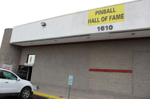 The Vegas Pinball Hall of Fame astounds us with a huge, rare collection