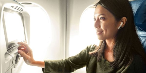 Review: AirFly is a neat way to use wireless headphones on planes