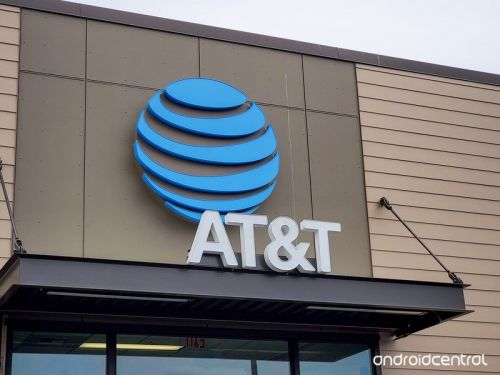 AT&T and Cricket are down in South Carolina and throughout US