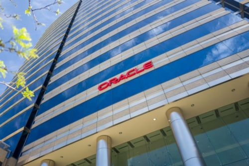Oracle fights back as $400 million pay-discrimination suit heads to judge
