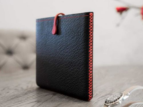 Protect your 2018 iPad Pro with a hand-crafted leather sleeve by Picaso Lab