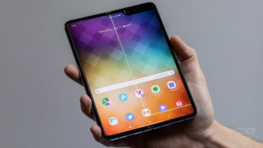 Should iPhone owners envy Samsung's Galaxy Fold? Video reveals many issues beyond screen damage