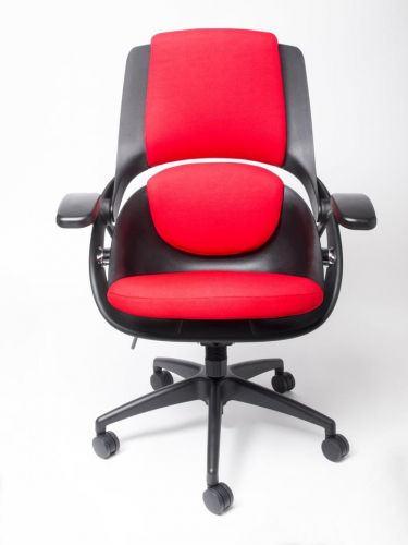 Arse Technica rolls again: We review the All33 Backstrong C1 chair