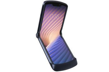 The hot new Motorola Razr 5G gets an official US release date and loads of cool deals