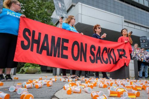 Sacklers-who made $11 billion off opioid crisis-to pay $225 million in damages