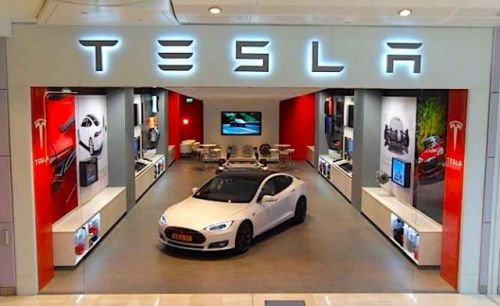 Tesla Plans To Launch Robotaxi Network Next Year