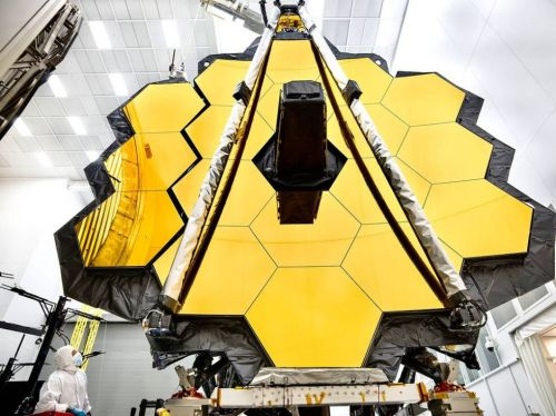The James Webb telescope has emerged from the freezer