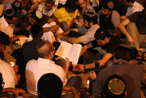 How Jews Observe Tisha B'Av in Rome