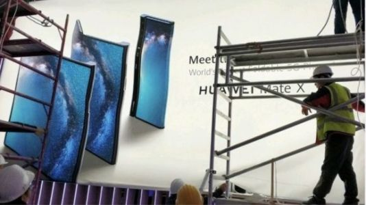 Huawei leak shows Mate X foldable 5G phone ahead of MWC 2019