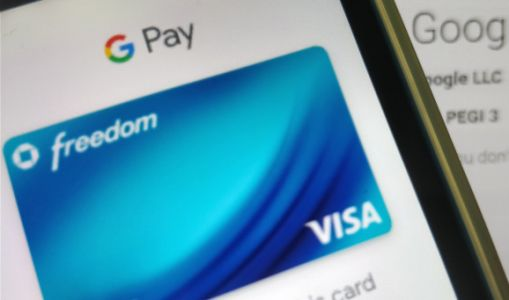 Google Pay now lets you use prepaid public transport passes, starting in Las Vegas