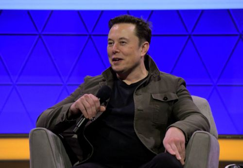 """Feds told Tesla to stop making """"misleading statements"""" on Model 3 safety"""