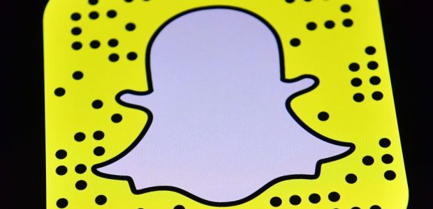 Snapchat Is Shutting Down Its Snapcash Payment Feature