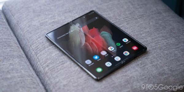 One UI 3.0 stable update begins rolling out for Galaxy Z Fold 2