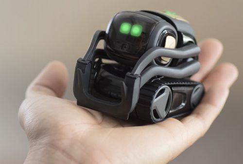 MacRumors Giveaway: Win a Vector Robot From Anki