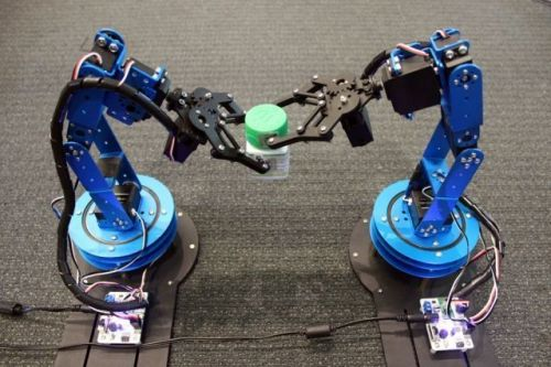 Researchers Develop System That Helps Robots Better Track Objects