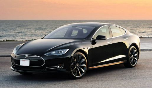 Driver Slept For Seven Miles As Cops Chased His Tesla