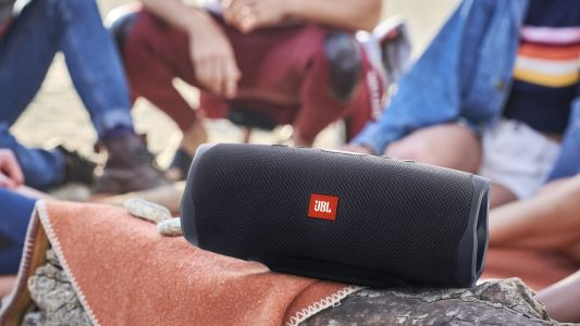 Waterproof JBL Charge 4 speaker doubles up as a portable battery