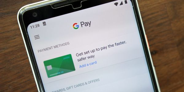 Google Pay officially gets P2P money transfers, boarding passes, concert tickets