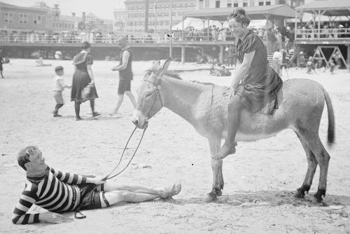 How Jews Discovered the Allure of the Beach