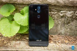 Best Buy clearance deal brings well-reviewed Asus ZenFone 5Q down to $180