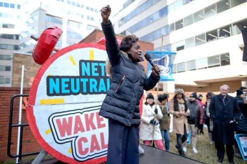 21 states sue FCC to restore net neutrality rules