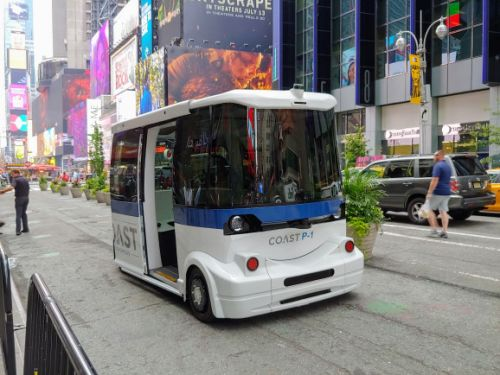 Coast Autonomous' self-driving shuttles are boring, and that's by design