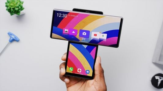 LG Wing folding smartphone gets reviewed