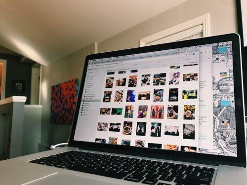 How to view, download, delete, and share your photos on iCloud.com
