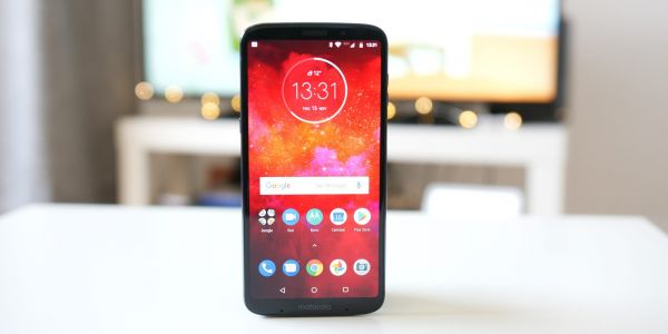 Moto Z3 Play Review: Modules are holding back a decent mid-ranger