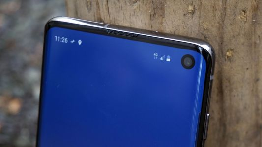 Samsung is already planning to drop the punch-hole camera