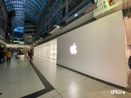 Check out our video tour of Toronto's new Eaton Centre Apple Store