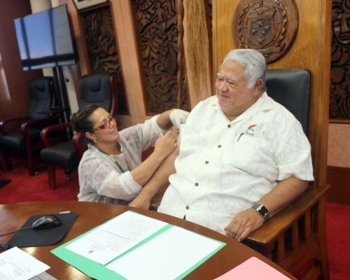 Unvaccinated Samoans must identify themselves with red flags, officials say