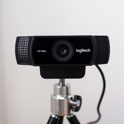 Play in HD with the $50 Logitech C922x Pro Stream Webcam