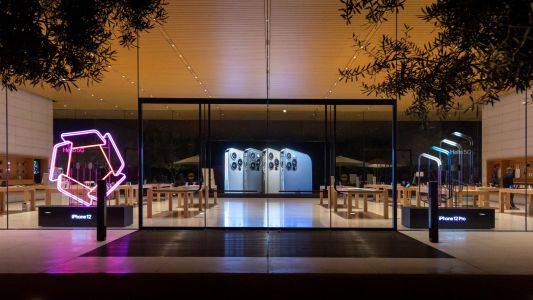 Apple Stores add glowing window displays for iPhone 12 launch