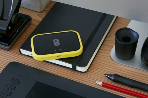 EE Launches New 4GEE WiFi And WiFi Mini Devices