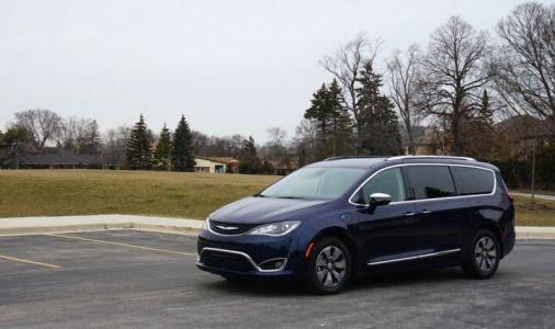 Higher sticker price, lower fuel costs: The Chrysler Pacifica Hybrid, reviewed