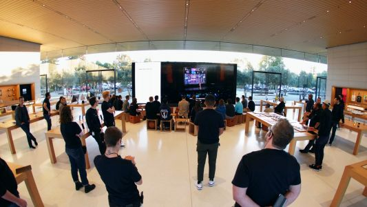 Gallery: Apple fans gather at stores around the world to watch today's special event