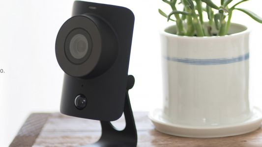 Home security sale at SimpliSafe: save 15% and get a free security camera